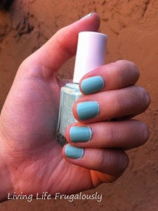 Essie Mint Candy Apple in Outdoor Light